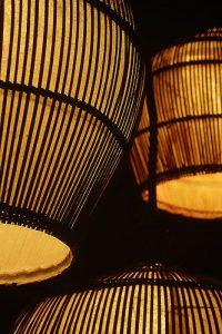 com lampadas